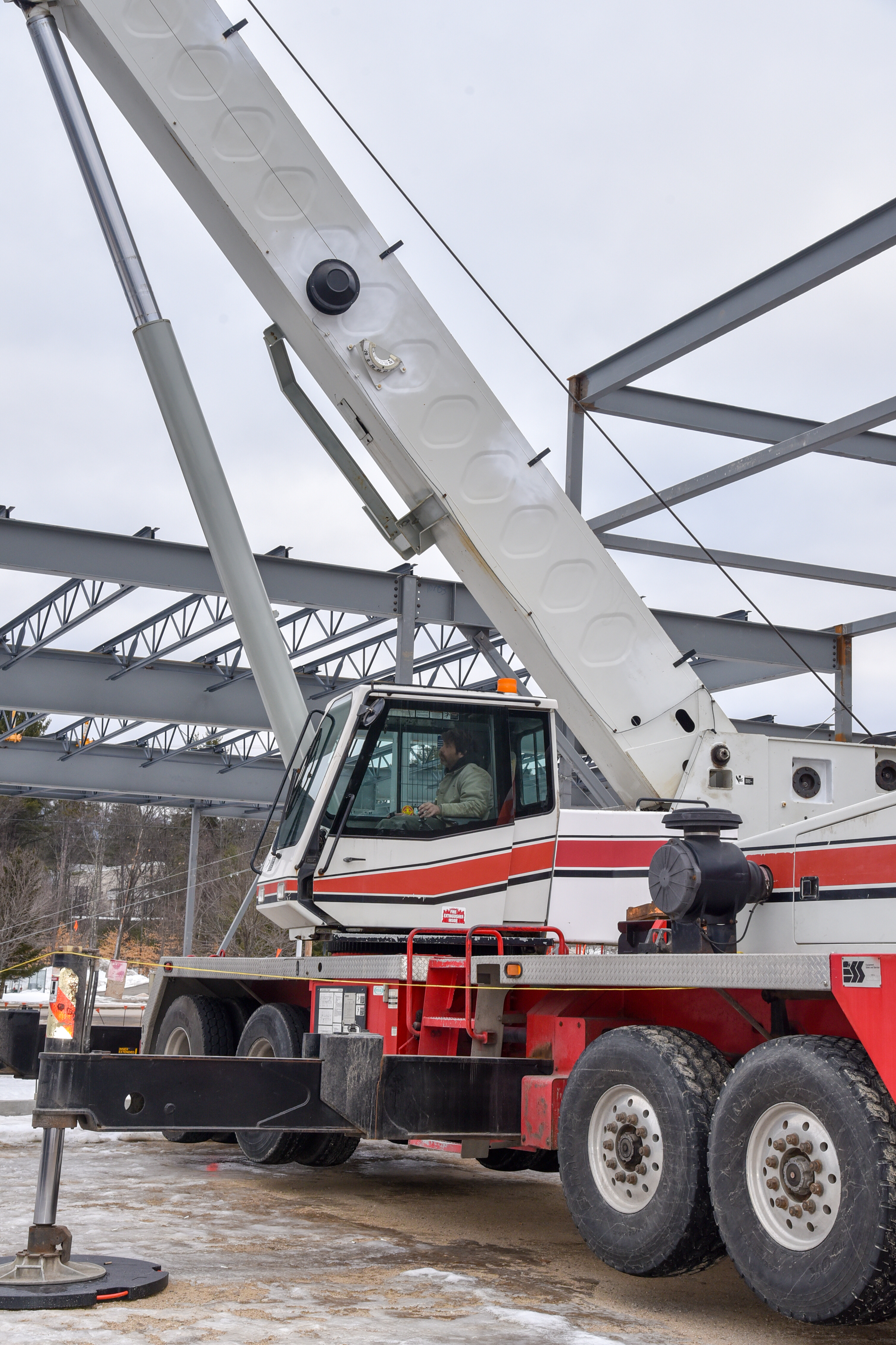 Crane Rental Service Portland, Maine for General Contractors